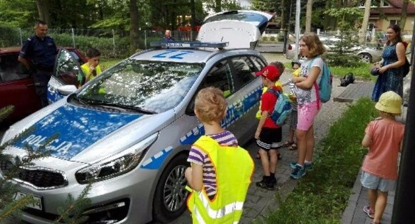 Kronika policyjna, Policjanci poprowadzili zajęcia bezpieczeństwie wodą - zdjęcie, fotografia