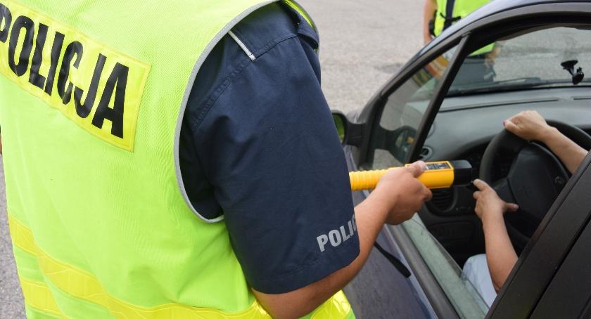 Policjant po służbie zatrzymał kierowcę, który miał ponad 3 promile