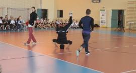 break-dance-show-w-wykonaniu